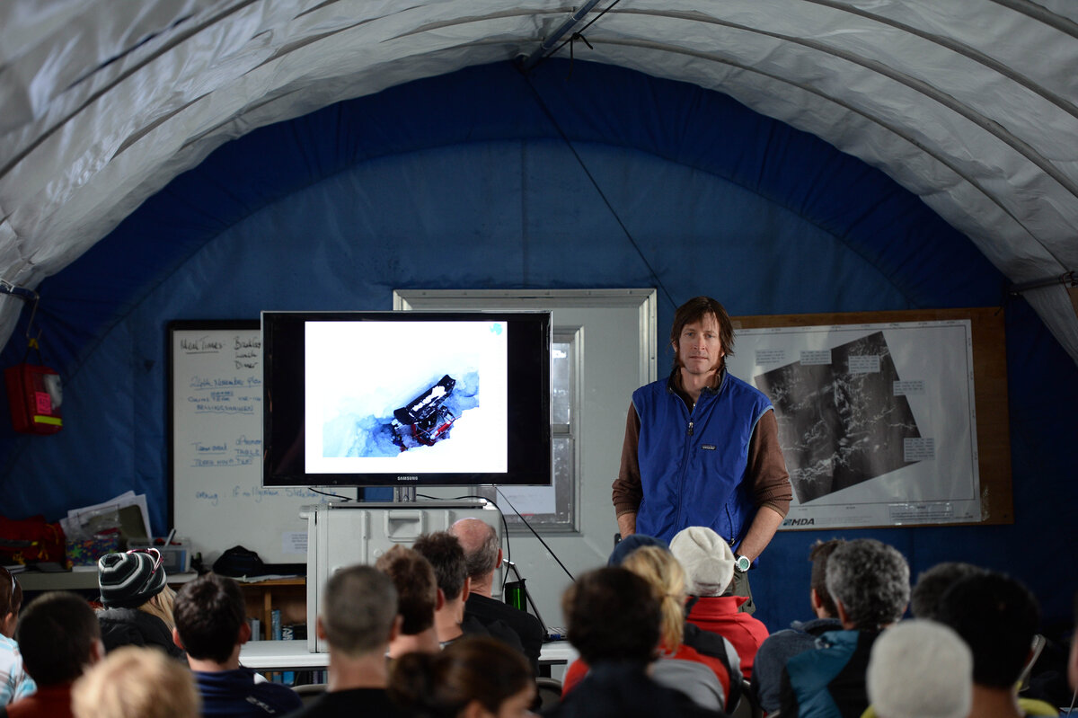 Lecture about glacier safety