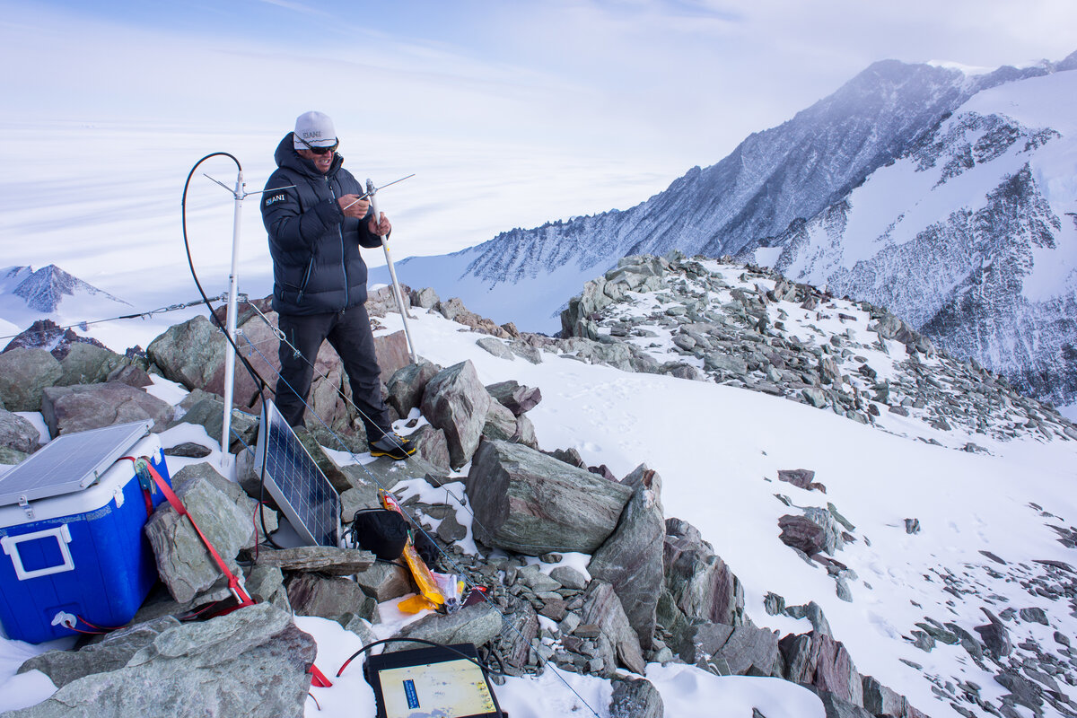 ALE VHF repeater on Mount Vinson