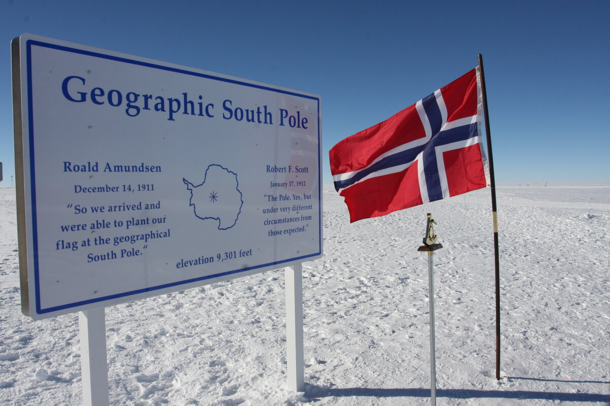 Norwegian flag commemorates centenary of Roald Amundsen's arrival
