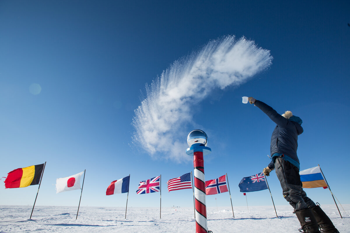 Boiling water freezes at the Ceremonial South Pole