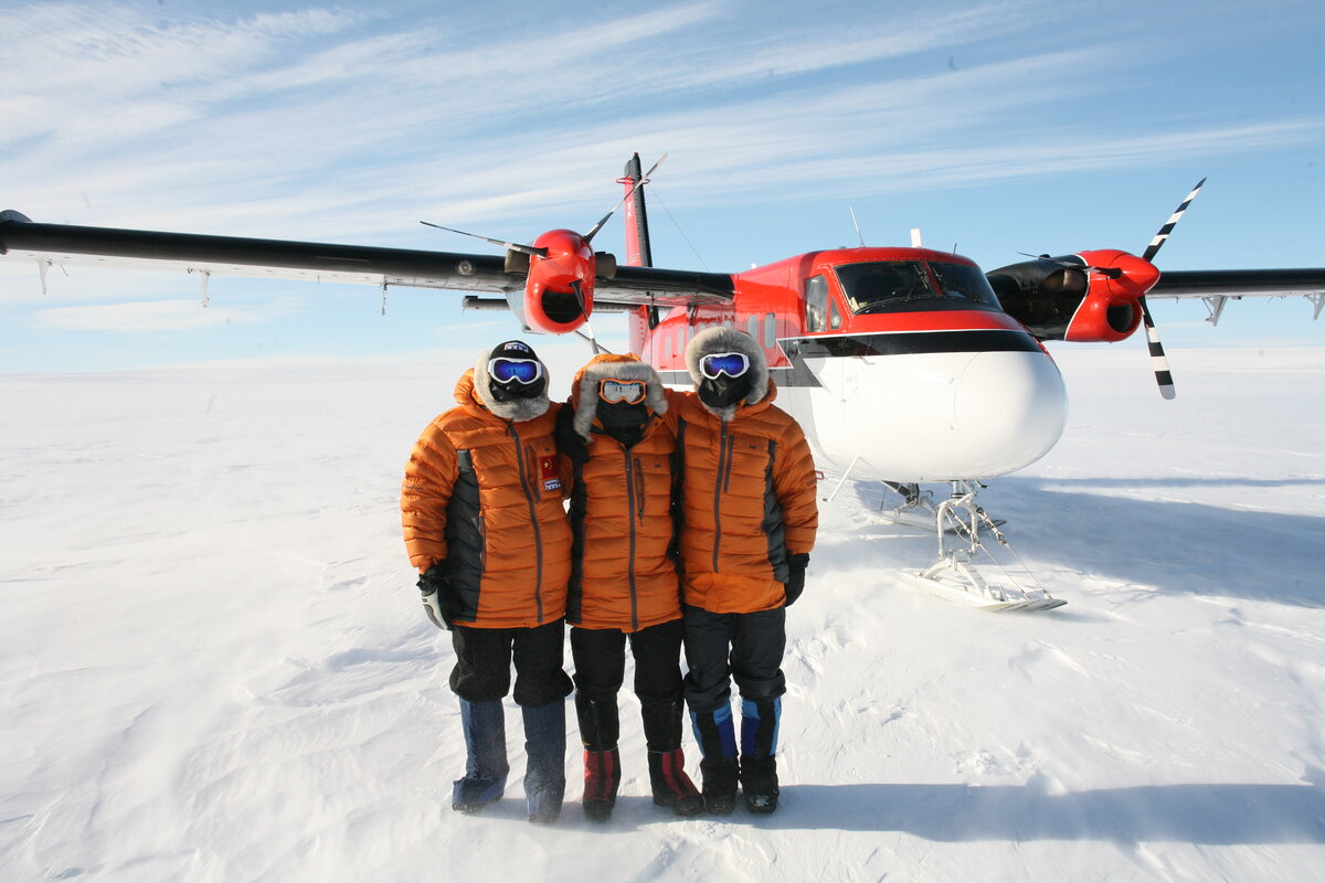 Expedition team at Hercules Inlet drop-off