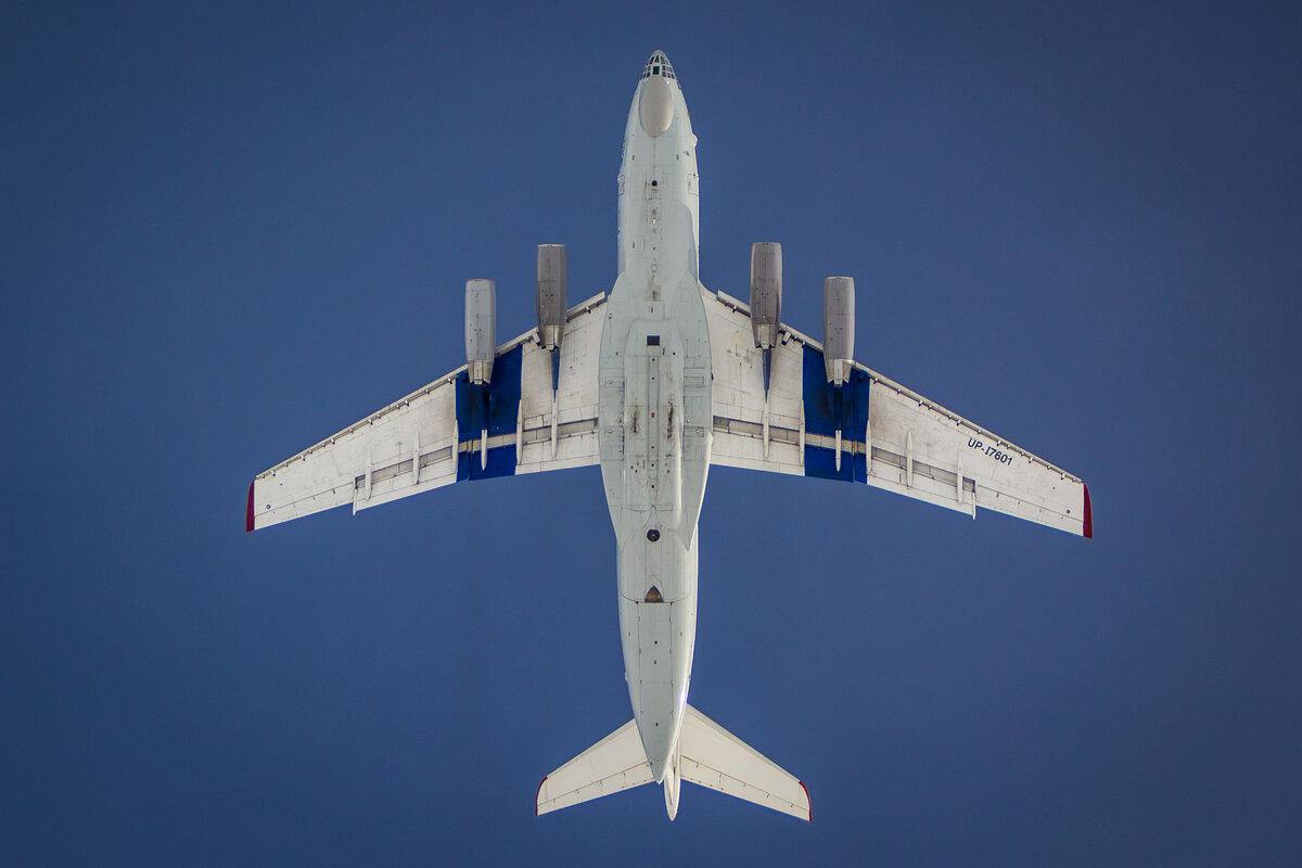 View of the Ilyushin as it flies overhead