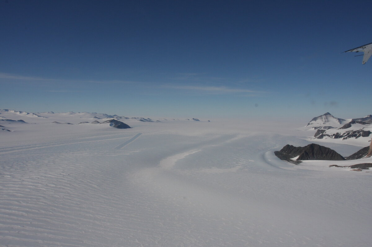 Into-wind blue-ice runway surveyed at Union Glacier
