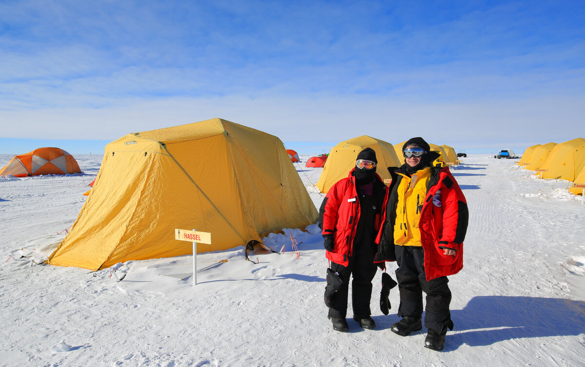 Guests take a photo at ALE South Pole Camp