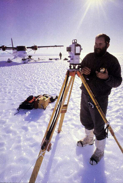 Blue-ice runway surveys in Dronning Maud Land, 1995