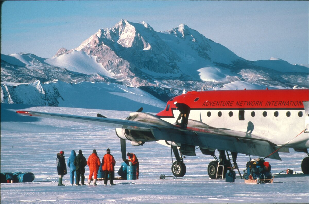1st direct flights from Chile to Patriot Hills, 1987