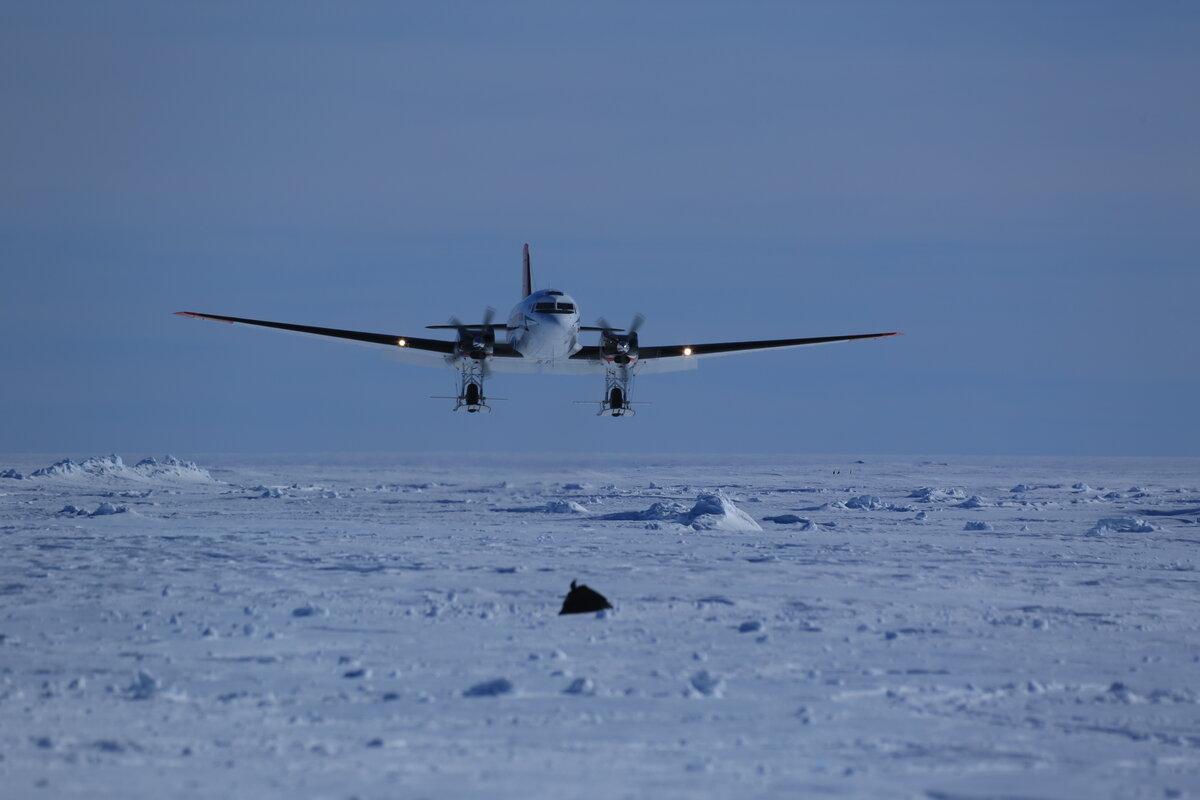 Basler lands on skiway at Gould Bay
