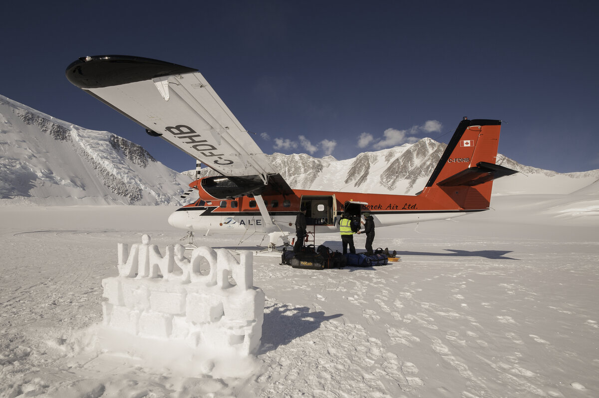 Twin Otter unloads at Vinson Base Camp