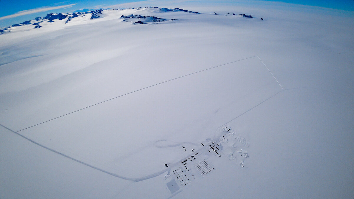 Union Glacier Camp and 10K loop from a skydiver's perspective