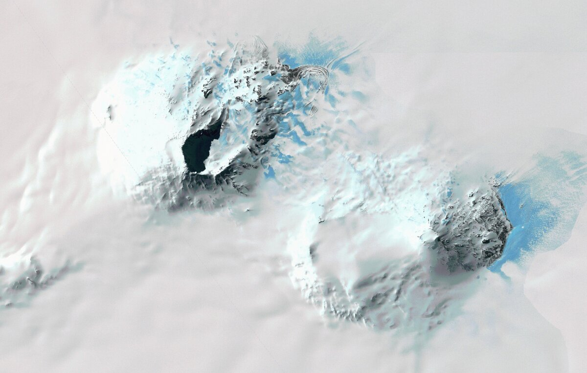 Satellite image of Mount Sidley and Mount Waesche