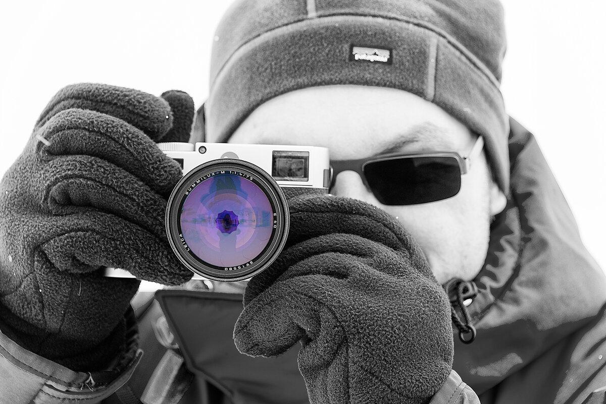 Wear gloves when taking photographs